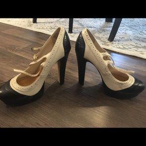 Darling Lauren Conrad black and white heels